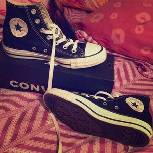 Brand new never worn all stars/ converse